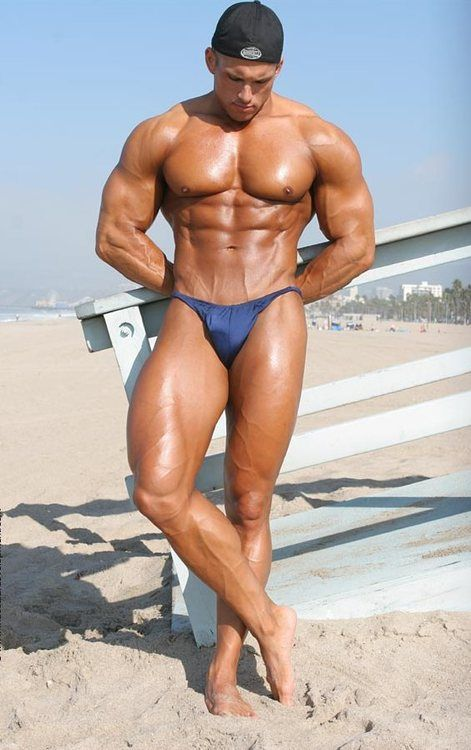 Learn How to Become Vascular - Cut Bodybuilder